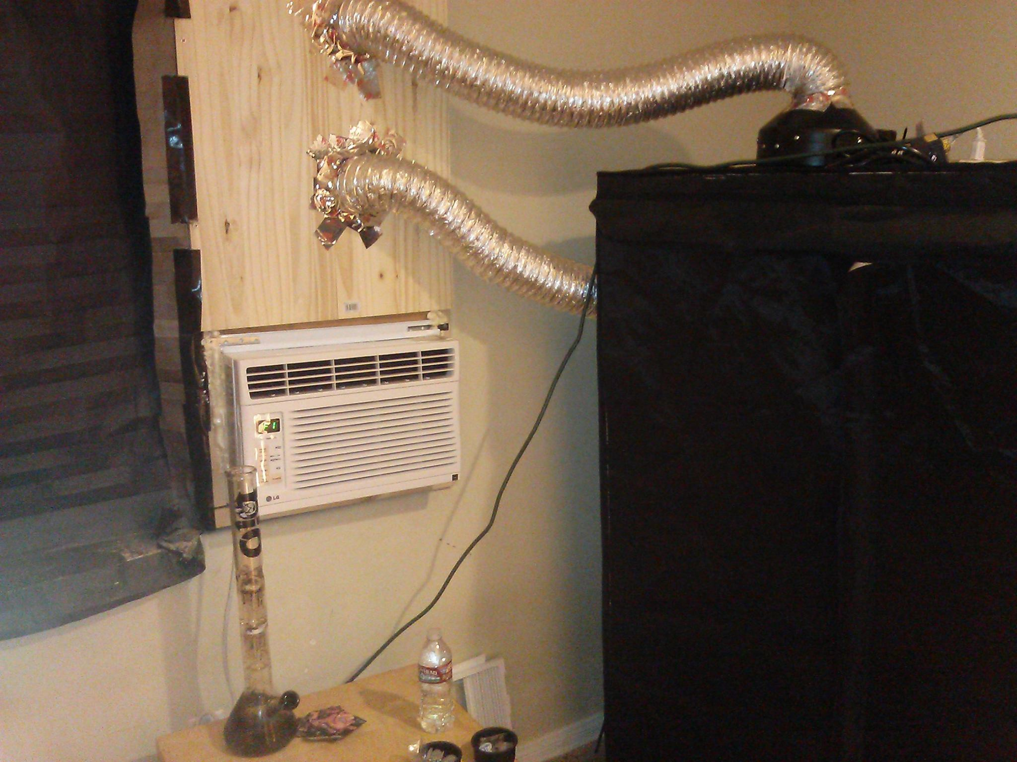 ... 400w hps in a 2x4ft tent my setup uses a closed loop to cool the light sealed off from the room which is vented with a 2nd ducting u0026 cooled with AC. & loco in my coco - 400w hps coco tent - Grow Journals - Growery ...